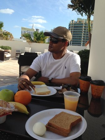 Marriott Vacation Club Pulse, South Beach : Complimentary Rooftop Breakfast.