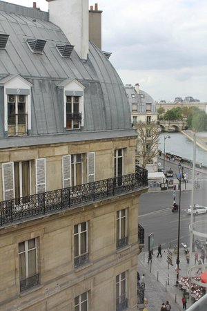 Hotel Albe Saint Michel: Vista hacia el Sena