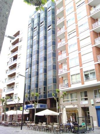 Hotel Bracos: El más céntrico.