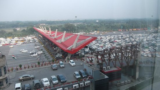 Country Inn & Suites By Carlson Delhi Satbari: Motorway toll plaza from room window