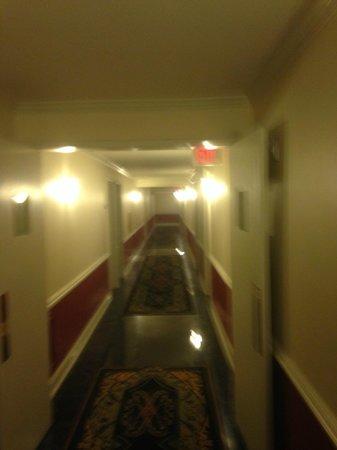 Bourbon Orleans Hotel: Hallway