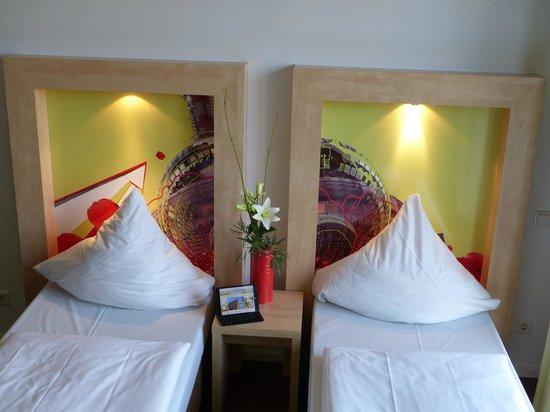 H+ Hotel HVD 4Youth: Doppelzimmer
