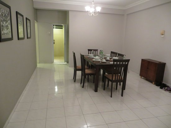 Noble Villa Apartment: clean floor , clean apartment
