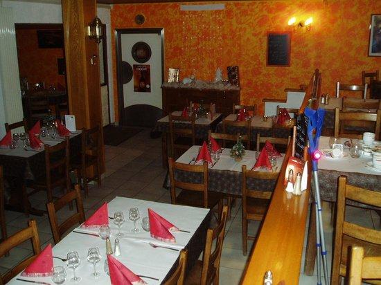 Hotel Restaurant l'Auberge du Hans : Salle à manger basse
