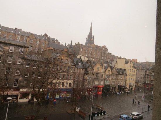 Apex City of Edinburgh Hotel : View from lobby area