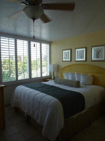 Grand Plaza Beachfront Resort Hotel & Conference Center: chambre