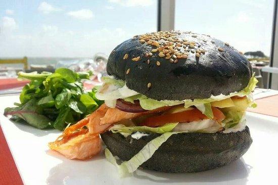 La Plage de Jules : Le black burger