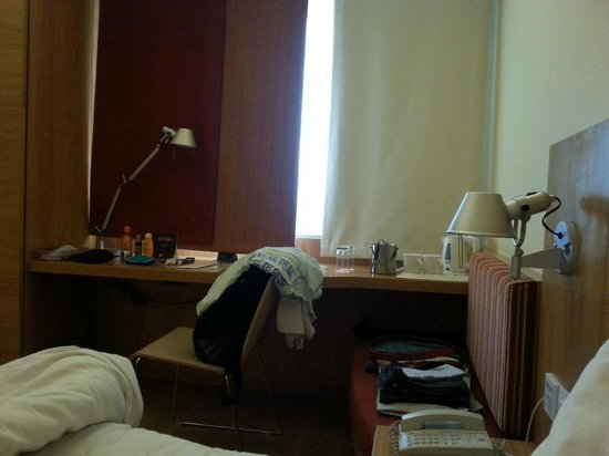 ibis Nashik : Room