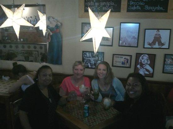 Bodega Restaurant Pizza Bar: BODEGA SHOW DE BOLA