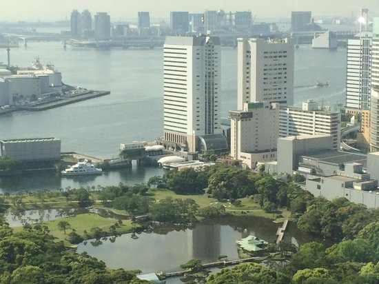 Hilton Tokyo: View over harbour