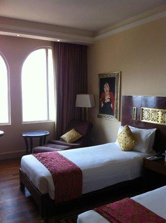 The Gateway Hotel Ganges Varanasi: 窓枠がインドを感じさせてくれます