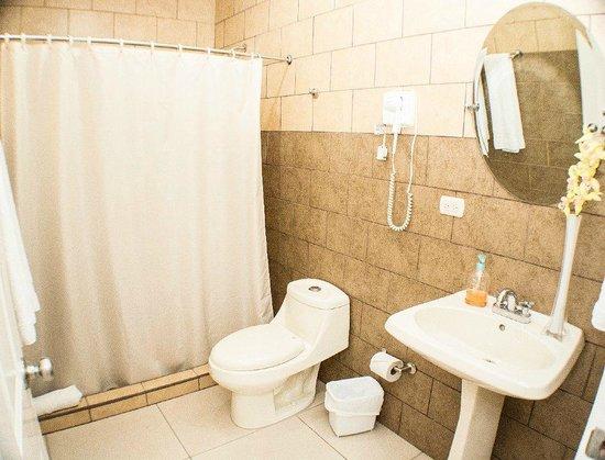 Hotel Executive Managua: Baños