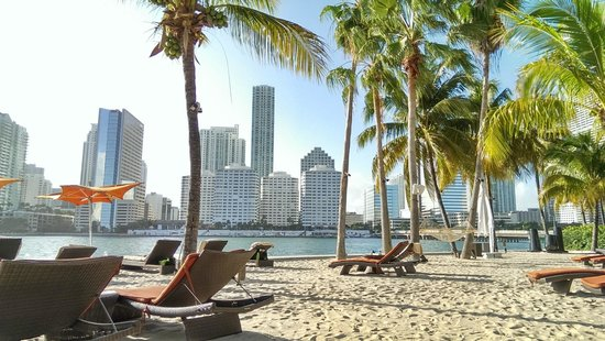 Mandarin Oriental, Miami: Private man made beach.