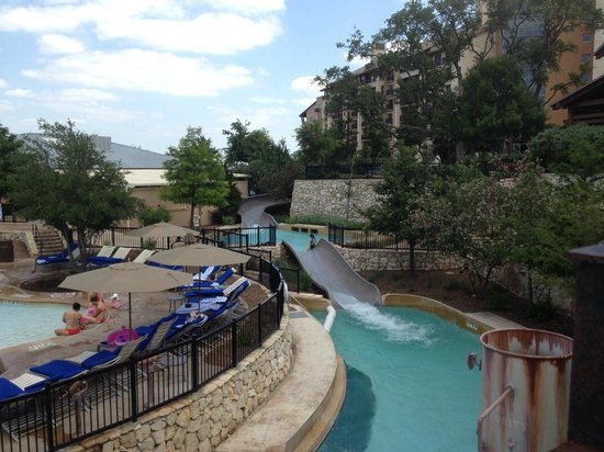 JW Marriott San Antonio Hill Country Resort & Spa: Tubing is encouraged.