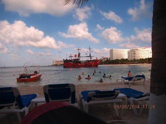 Occidental Costa Cancun : hermosa vista,lugar perfecto para unas cervezas
