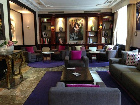 Sofitel Rome Villa Borghese: on the first floor of the hotel are various areas for lounging