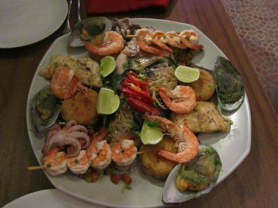 Barracuda Restaurant & Bar: Fischplatte für 2Personen - Tipp