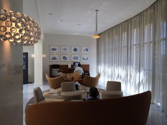 Renaissance Aix-en-Provence Hotel : Computer lounge