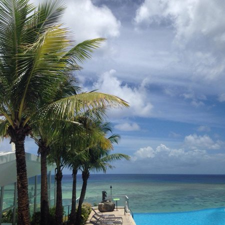 Guam Reef & Olive Spa Resort: Pool