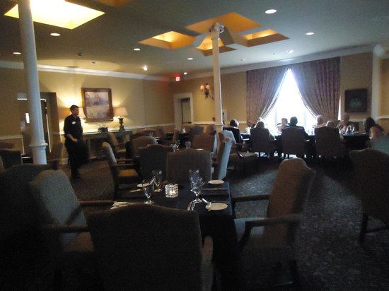 Inn at Carnall Hall: The dinning room
