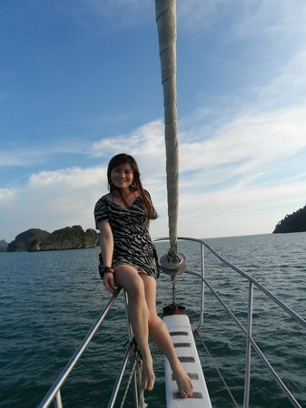 Crystal Yacht: picture moments while sailing to the sunset point