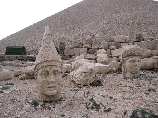 Mount Nemrut: Western Summit