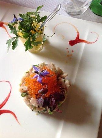 La Table du Brocanteur : tartare d espadon, coriandre et pomme Granny