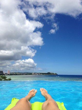 Guam Reef & Olive Spa Resort: бассейн