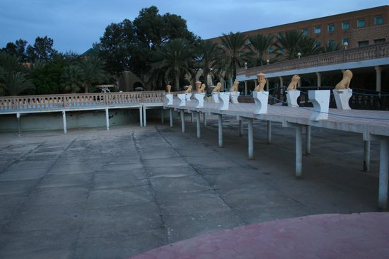 Jugurtha Palace: Pool (empty) with walkways above