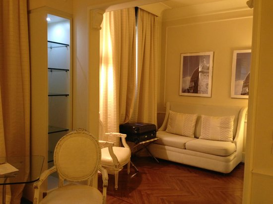 Hotel Brunelleschi: lounge area