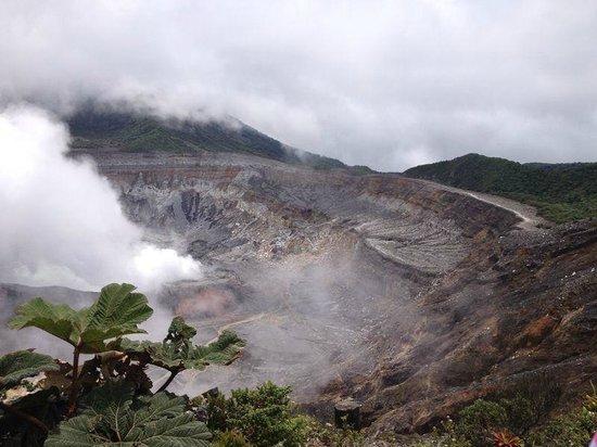 Poas Volcano: Main crater
