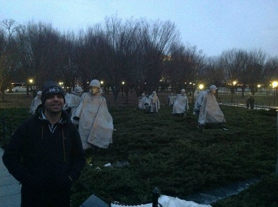 Korean War Veterans Memorial: Frente aos soldados