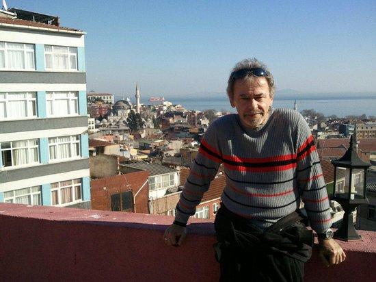 """Sunlight Hotel: Auf der """"Dachterasse """" das Sunlight-Hotel in Istanbul"""
