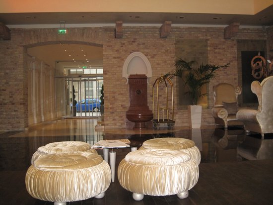 IBEROSTAR Grand Hotel Budapest : Холл отеля