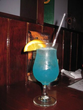 Tango Argentine Grill : A delicious fruity bleu lagoon drink