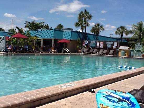 International Palms Resort & Conference Center Cocoa Beach: Large pool.