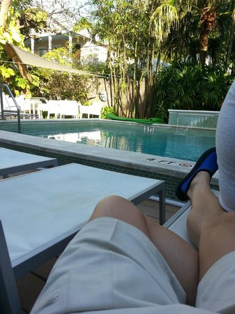 Alexander's Gay and Lesbian Guesthouse : Pool side waiting on Happy Hour