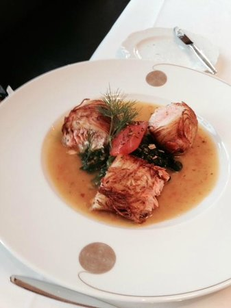 Restaurant Warteck: Salmon wrapped in potato in light curry sauce