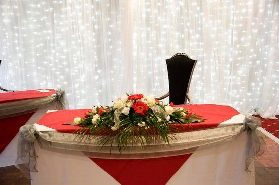 BEST WESTERN Oaks Hotel & Leisure Club : Registar Table
