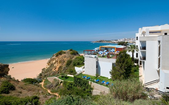 Albufeira Travel Guide - Shows Alisios Hotel