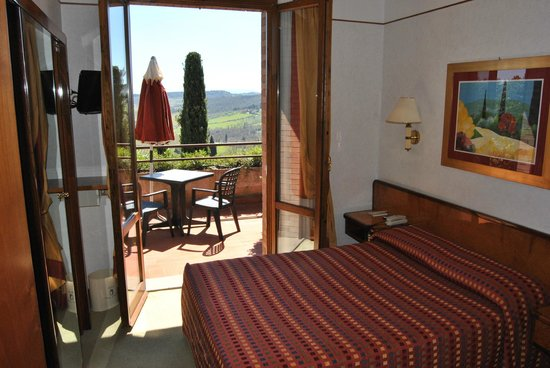 Relais Santa Chiara Hotel: Small room but with large balcony and breathtaking view.