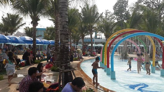 Sprinkler Pool Picture Of Playport Udon Thani Water Park Udon Thani Tripadvisor