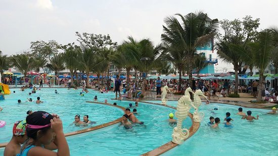 Pools Picture Of Playport Udon Thani Water Park Udon Thani Tripadvisor