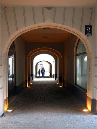 Riga Free Tour: quiet passages