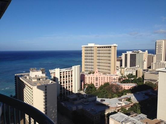 Sheraton Princess Kaiulani: 28th floor looking out toward sunset