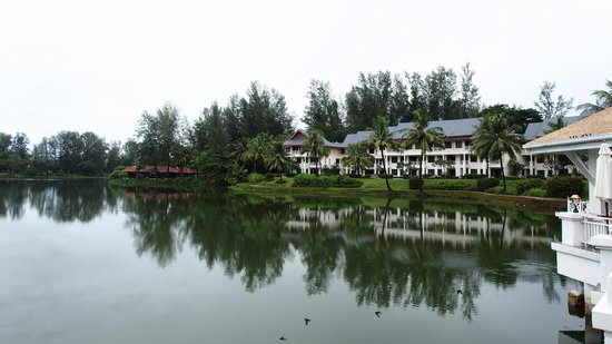 Outrigger Laguna Phuket Beach Resort: Lagoon view