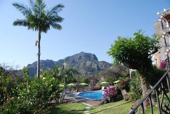 Posada Del Tepozteco : view of mountain