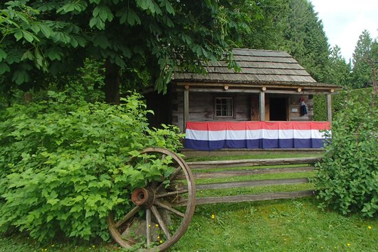 Burnaby Village Museum: Old Log Cabin