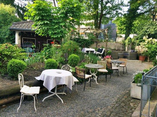 Hotel Gasthof zum Löwen : der Löie Stöckli Garten