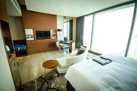 Fairmont Bab Al Bahr: 4th floor standard room
